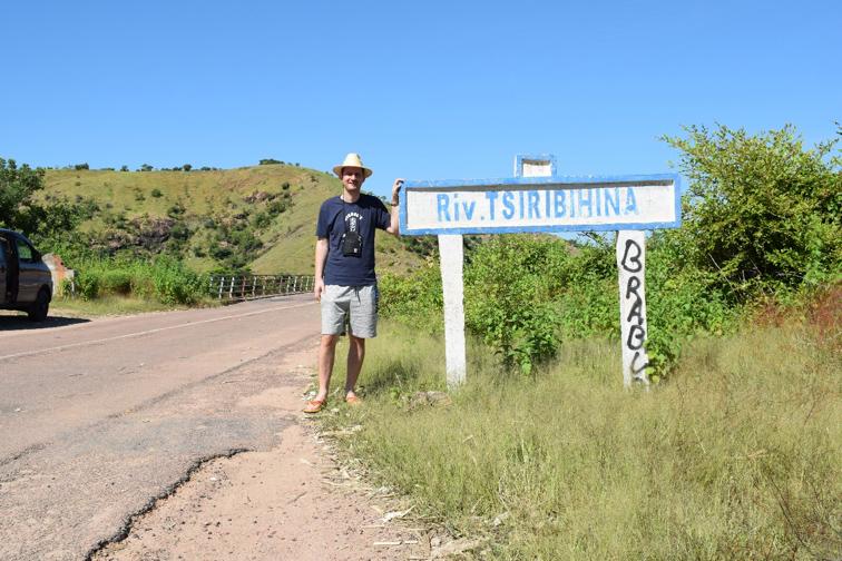 """NaTiNo e.V. in Madagaskar - Kurz vorm Überqueren eines """"roten"""" Flusses"""