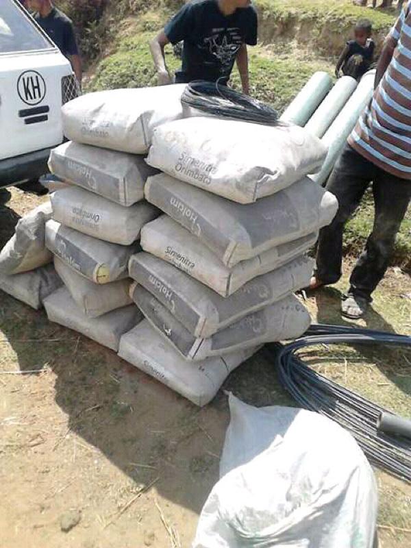 NaTiNo e.V. in Madagaskar - Zement und andere Dinge werden für den Bau geliefert.